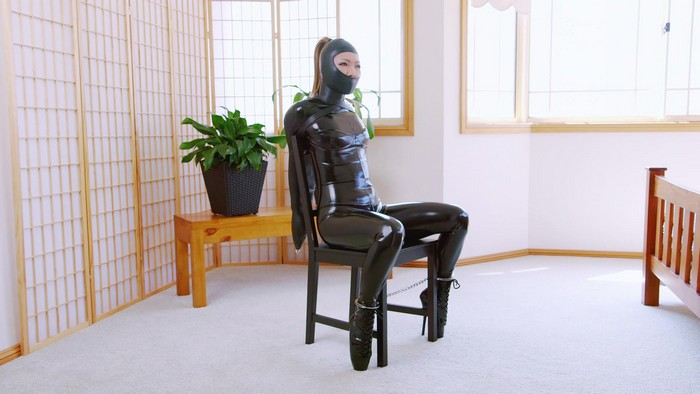Mina - Chair Bound Gwen (2018 / FullHD 1080p)