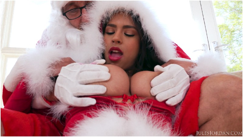 Autumn Falls - Autumn Falls Made The Naughty List, This 18 Year Old Teen Gets Fucked By Old Man Santa Claus - Jules Jordan - FullHD 1080p