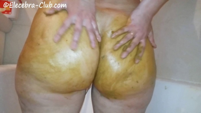 Elecebra - Shit in the bathroom and smeared on her gorgeous big ass (FullHD 1080p)