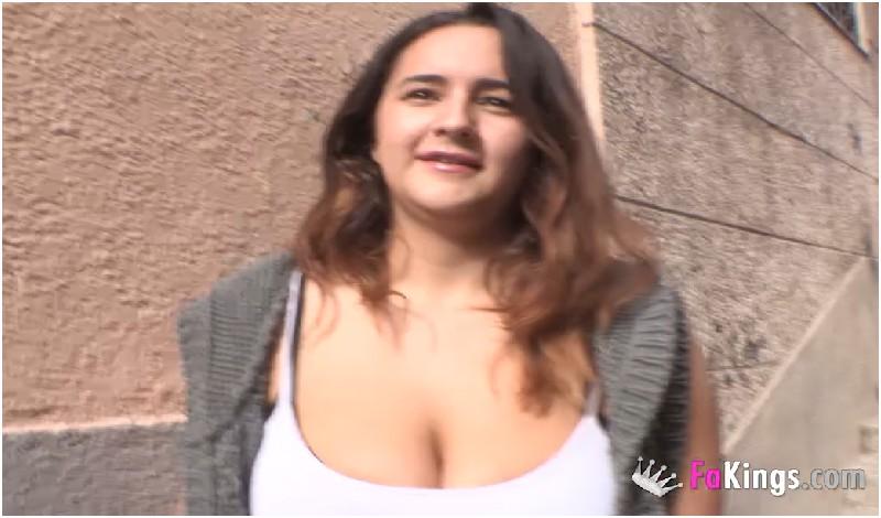 Natalia Tetona - Soy Natalia, yo y MIS TETAZAS salimos de caza por Madrid - FA Kings - HD 720p