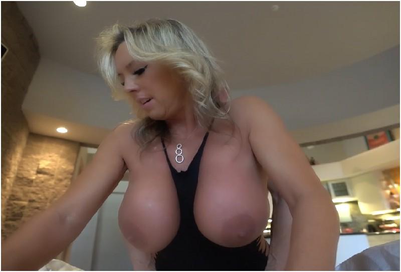 Sandra Otterson - A Christmas Milking - Wifeys World - HD 720p