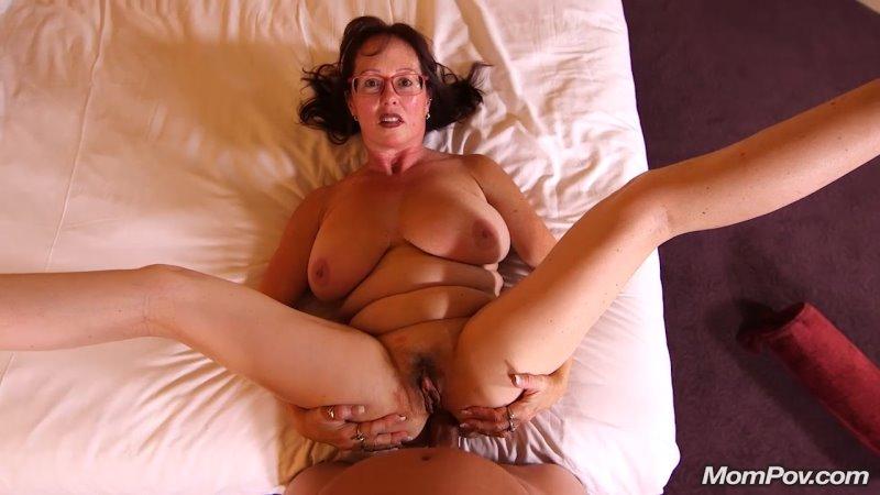 Barbara - Huge natural tits curvy MILF - Mom POV - HD 720p