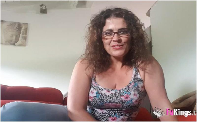 Montse Swinger - Helloooo Soy Montse y asi es como aprendo ingles en vacaciones mientras hago la siesta  Superame - HD 720p