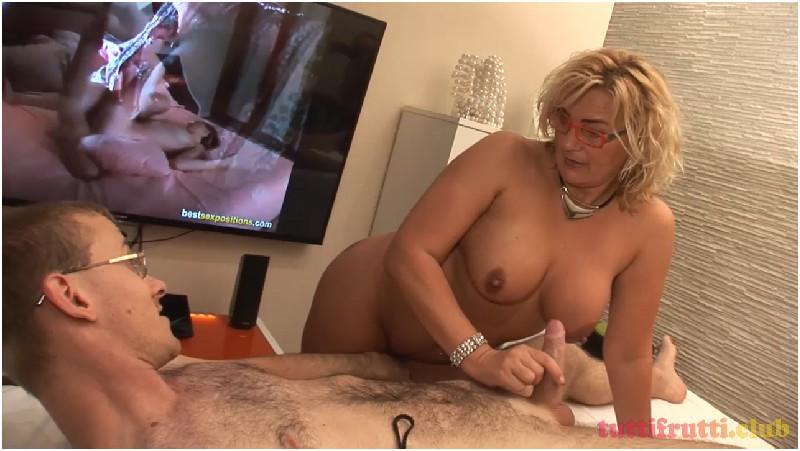 Sexy Mom Kitty playing with sons dick - TuttiFrutti club - HD 720p