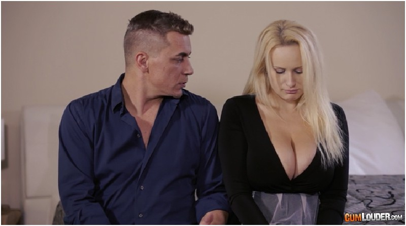 Angel Wicky - Busty and Blonde the perfect help - Boob Day