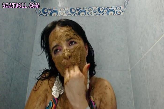 Doll - Bathroom Scat Play