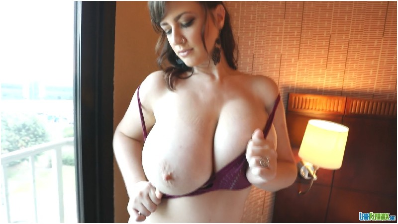 Lana Kendrick - Purple Top 5D 1 - FullHD 1080p