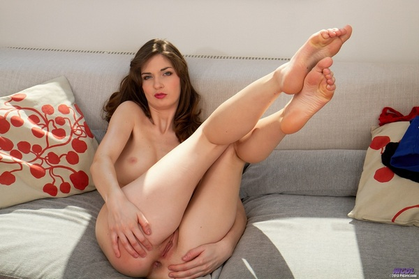 Nicol and Gina Devine - An Unexpected Helpmate (FullHD 1080p)
