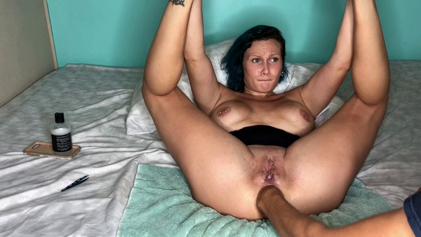 LilySkye (Lily) - LilySkye in Trying to Double fist my ass gaping (FullHD 1080p)