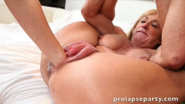 DirtyGardenGirl, Holly Hanna, Lily Labeau, Prolapse Queen and Proxy Paige - Pumped Pussy Prolapse Mash And Suck