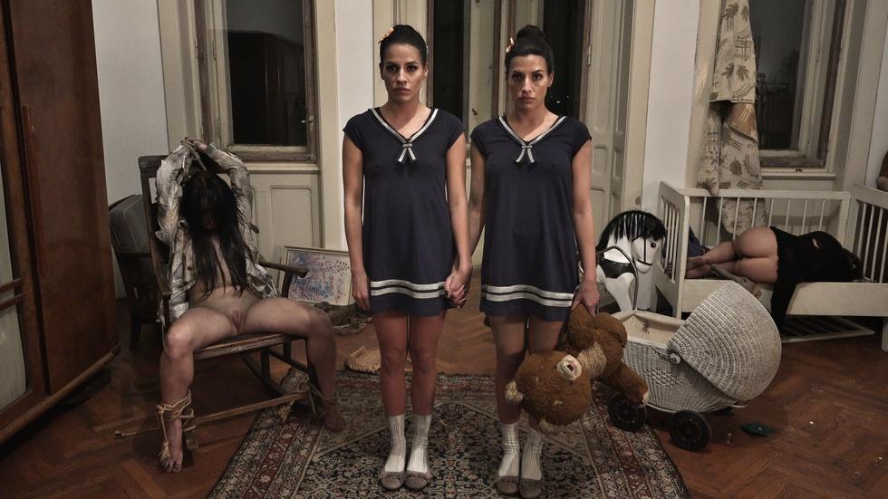 Schizoid twins, Eveline Dellai & Silvie Dellai, Sep 12, 2018, 5k 3d vr porno, HQ 2880p
