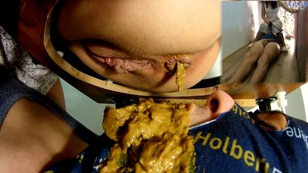 Mistress Anna - Hot Yellow Diarrhea (2018 / FullHD 1080p)