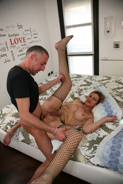 Cat Leya - Cum on tits for blonde shemale Cat Leya after fuck with skiny mature guy (FullHD 1080p) Cover