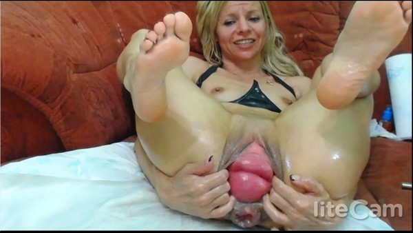 RaisaWetsX - Anal Fisting and Prolapse for yuo! (HD 720p)