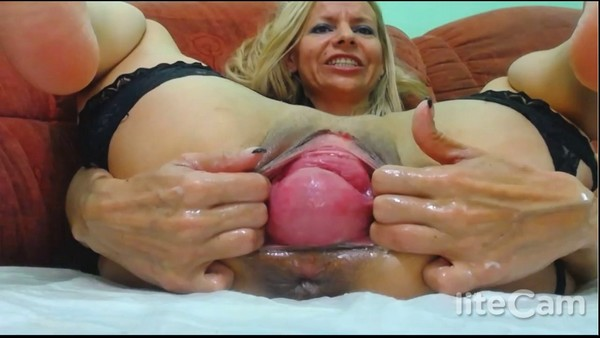 RaisaWetsX - Two hands in my pussy and not only Real orgasm! (HD 720p)