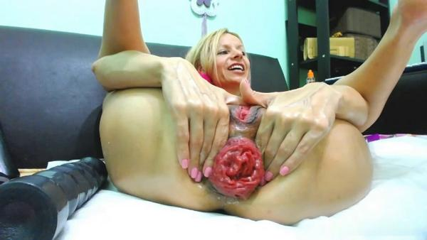 RaisaWetsX - Long and powerful dildo makes my anal hole huge! (HD 720p)