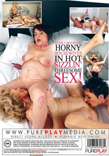Secret Horny Housewife Threesomes