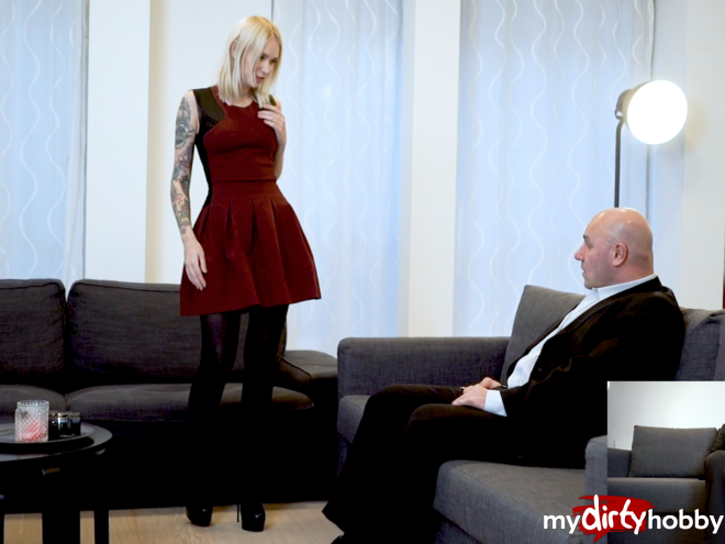 https://picstate.com/files/9122382_h5nbr/Arteya_makes_a_new_deal_with_the_landlord_wearing_stockings_and_high_heels_to_seduce_him_julieskyhigh.jpg