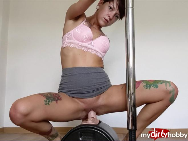 https://picstate.com/files/9122473_ri1ty/User_Lars_surprises_me__The_first_time_with_the_Sybian_MiaSonne.jpg