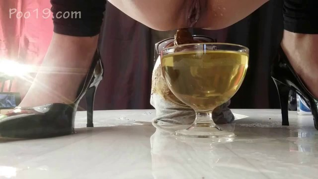 Messalina and her friends - We have a human toilet - 13 (HD 720p)