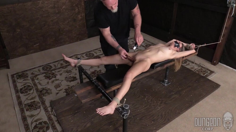 Addee Kate - Addee Finds Submission Part 2