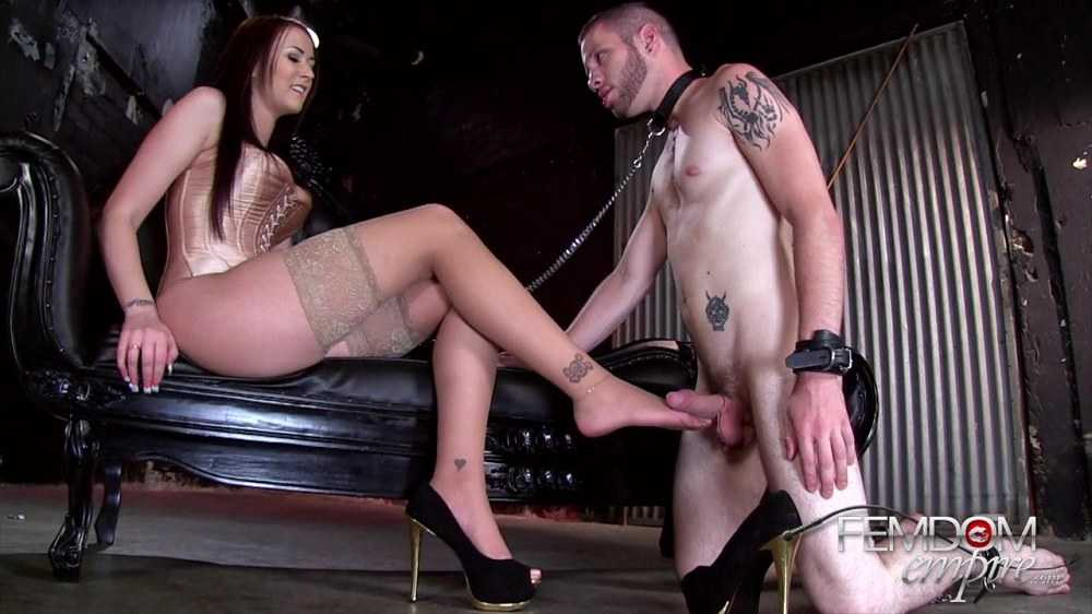 Alexis Grace - Power Of Her Feet