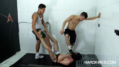 HardKinks - Raul Male and Sergio Mutty - Dominated In The Shower 3