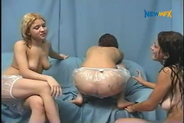 Laysa, Deb and Camila - Change My Dirty Diapers