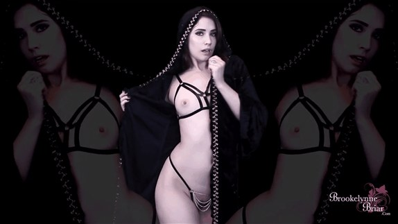 Brookelynne Briar – Vampire ASMR Mind Fuck JOI