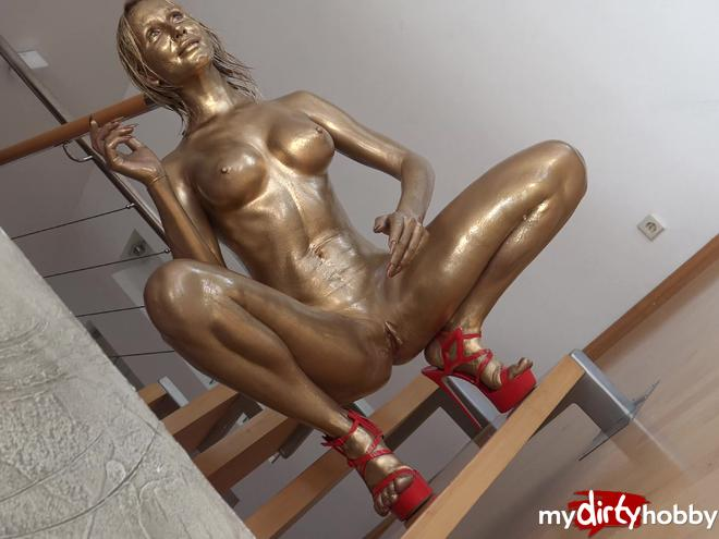 https://picstate.com/files/9419623_3mbum/A_Curious_Girl_Became_a_Frozen_Golden_Statue_KatiesClub.jpg