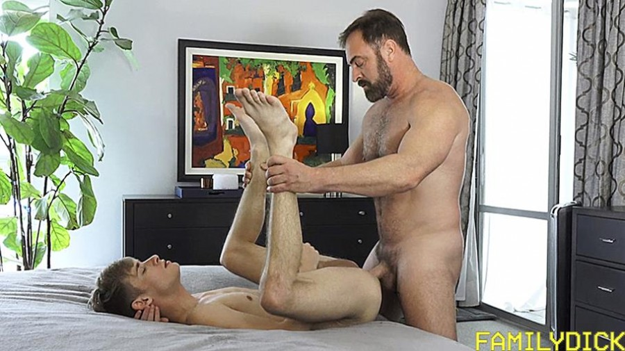 FamilyDick - Oliver Star & Kristofer Weston - A Father's Love - Gains