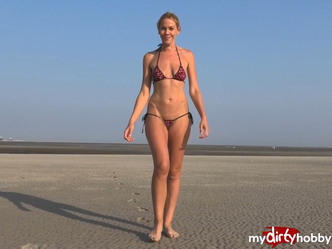 https://picstate.com/files/9592733_vwlae/Pissed_on_the_public_beach_MileyWeasel.jpg