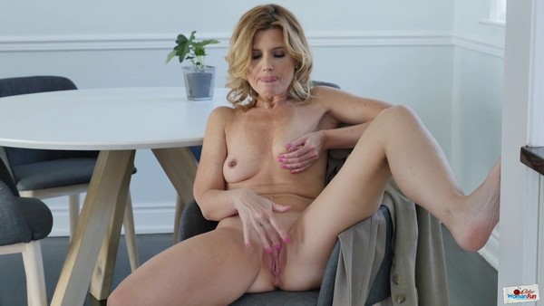 Alby Daor - I have a minute to sweetly experience an orgasm (HD 720p)