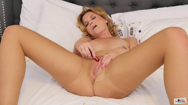 Alby Daor - From the vibrator I always have an expressive and acute orgasm! (HD 720p)