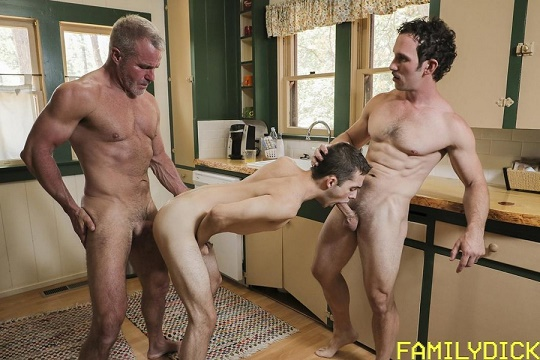 FamilyDick - Dale Savage, Greg McKeon, Marcus Rivers - The Return of Gramps - Family Nudists