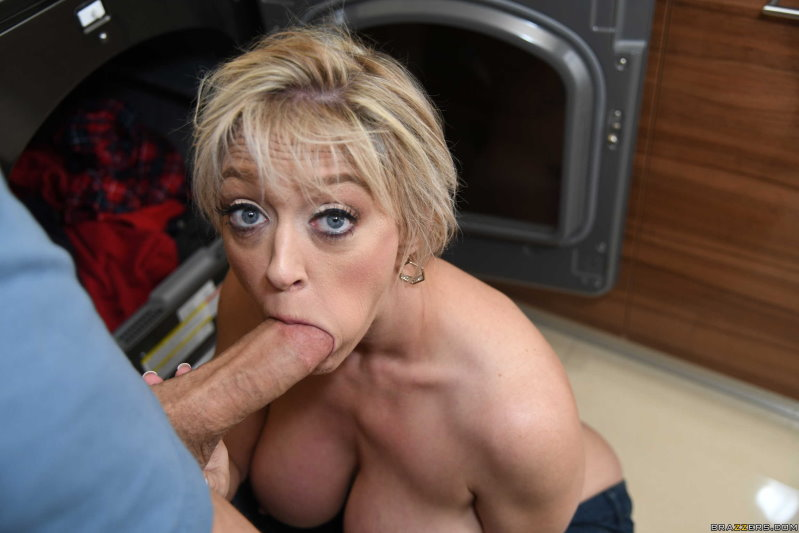 Dee Williams – Making Assmends – MilfsLikeItBig – FullHD 1080p