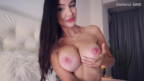 Valeriesins - Eat It For My Bare Tits