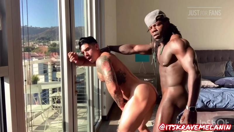 JustForFans - Krave Melanin fucks Diego Grant (fulltimepapi)
