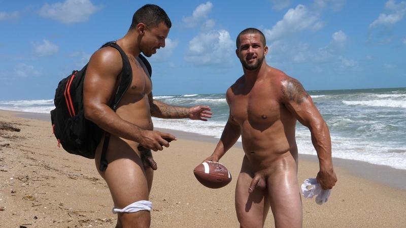 TheGuySite - Boxer & Tony - Muscle Beach 3