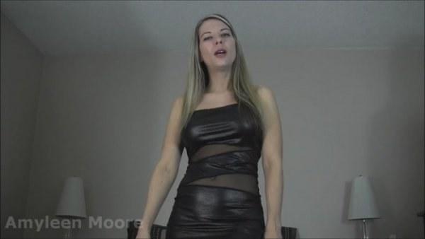 Amyleen Moore - Stroke it Raw