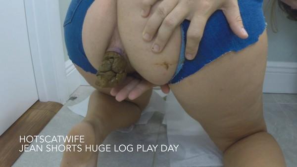 HotScatwife - Jean Shorts Huge Log Play Day (FullHD 1080p)