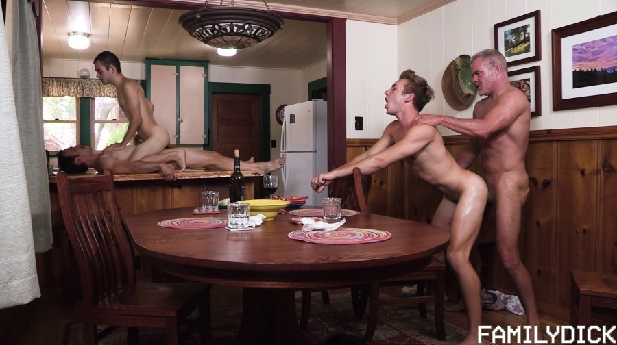FamilyDick - Marcus Rivers, Dale Savage, Bar Addison, Greg McKeon - Under the Table