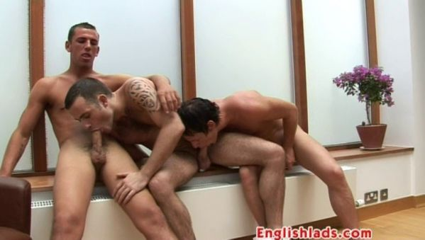 EnglishLads - Ryan gets double fucked - Ryan Carter, Toby James, Jon Janes