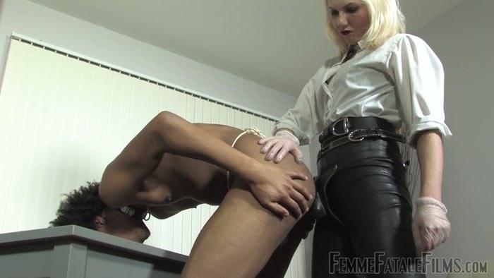 Mistress Akella - Spurred On Super