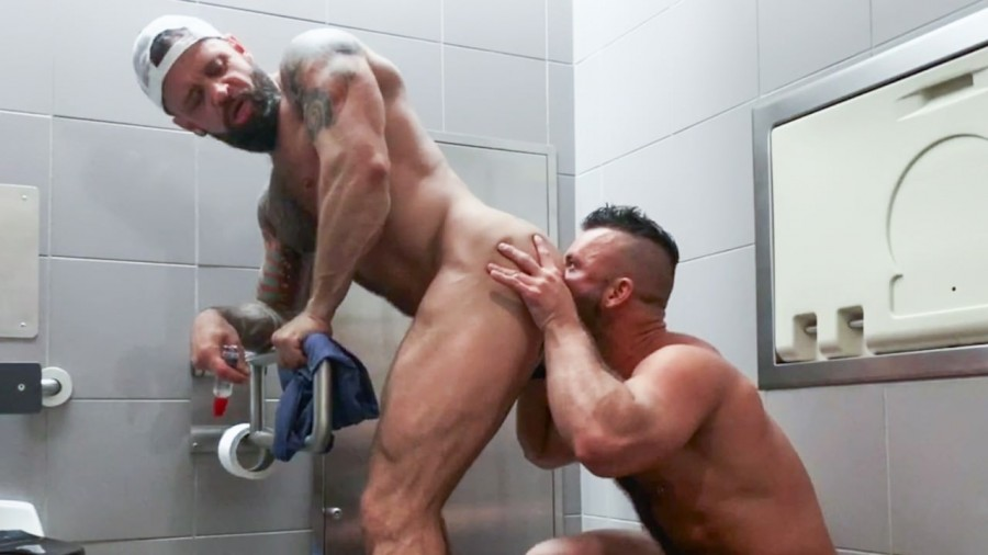 RealityDudes - Pup & Tank Have Messy Bareback Sex In Airport Toilet