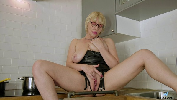 Nika - Touch and Tease (2019 / FullHD 1080p)