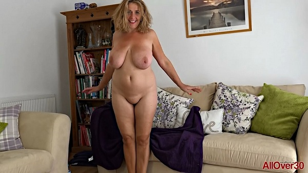 Camilla Creampie (EU) (45) - Interview with horny mommy (HD 720p)