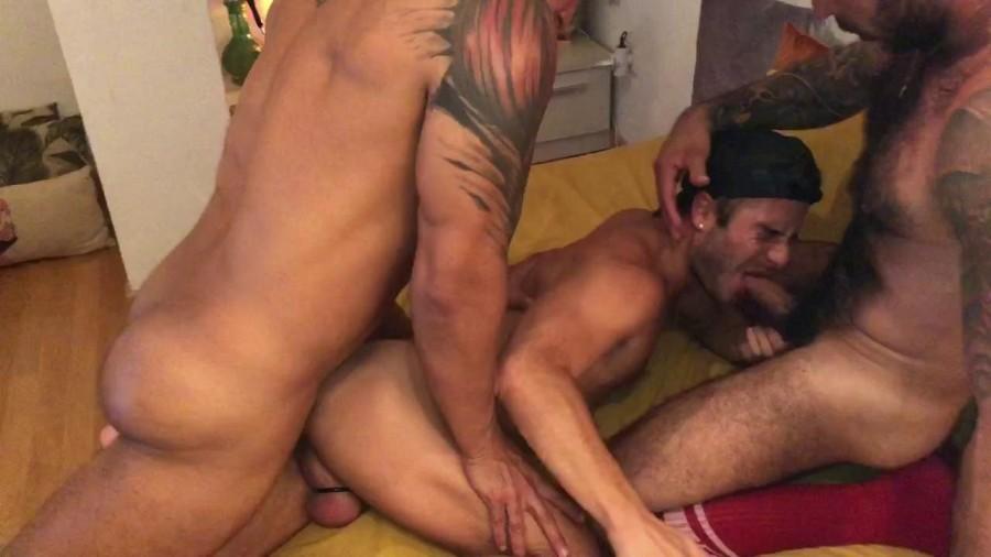 RawFuckClub - Viktor Rom, Julian Torres (FFurryStud), Allen King - Threesome in Chueca