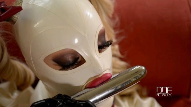 Latex Wonderland - Sex Goddess Sucks Vibrator In Full Attire - Latex Lucy