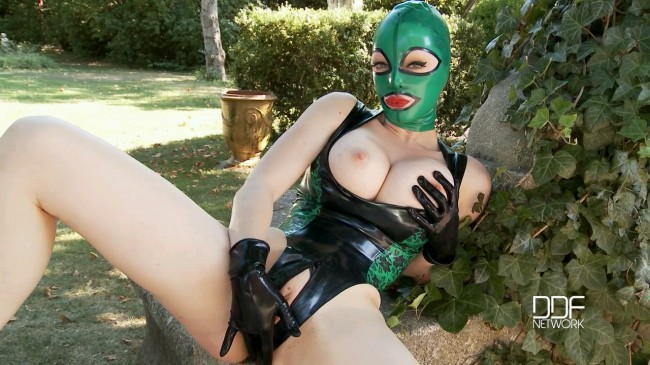 Stretch Your Imagination - Latex Lucy